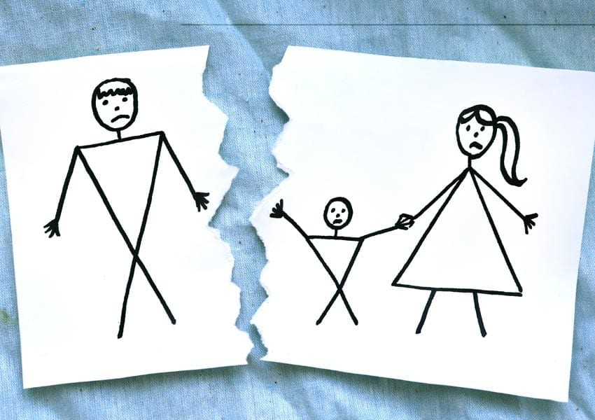 Περιορισμός δικαιώματος επικοινωνίας 6χρονης με τον πατέρα της - Απόρριψη αιτήματος παππού & γιαγιάς για ρύθμιση δικαιώματος επικοινωνίας